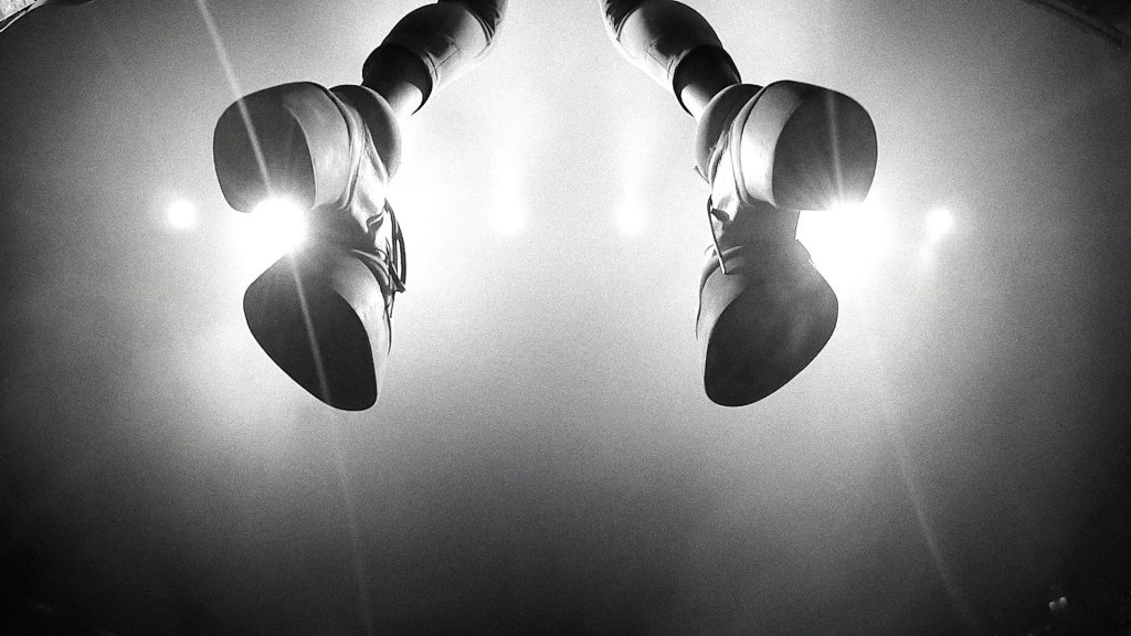 Röyksopp ft. Robyn – Monument (Video)