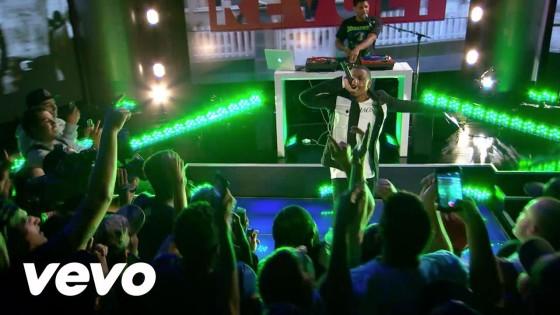 Vince Staples performs 'Senorita' for Revolt Live